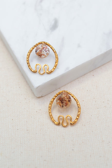 Ara Chilli Gold Earrings by Oaksva