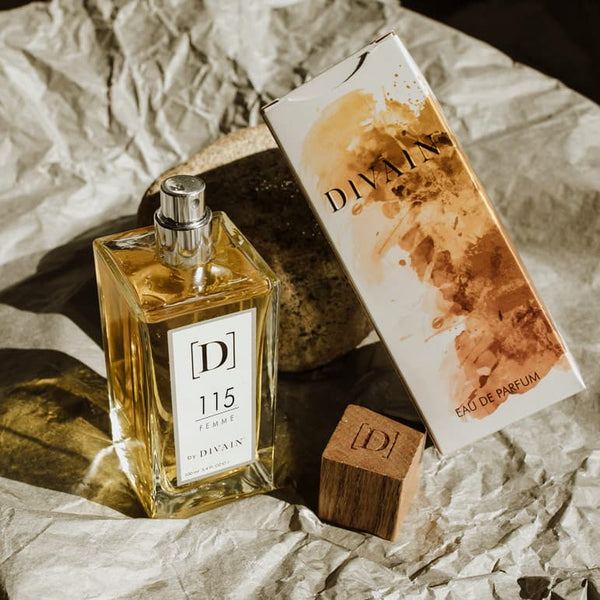 Photo de l'emballage du parfum d'équivalence DIVAIN 115
