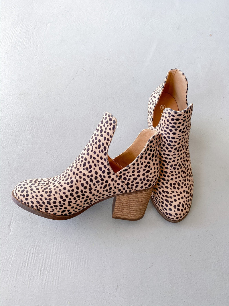 Valentina Cheetah Print Bootie - Pineapple Lain Boutique