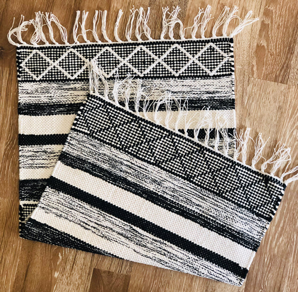 Diamond Tassel Cotton Rug