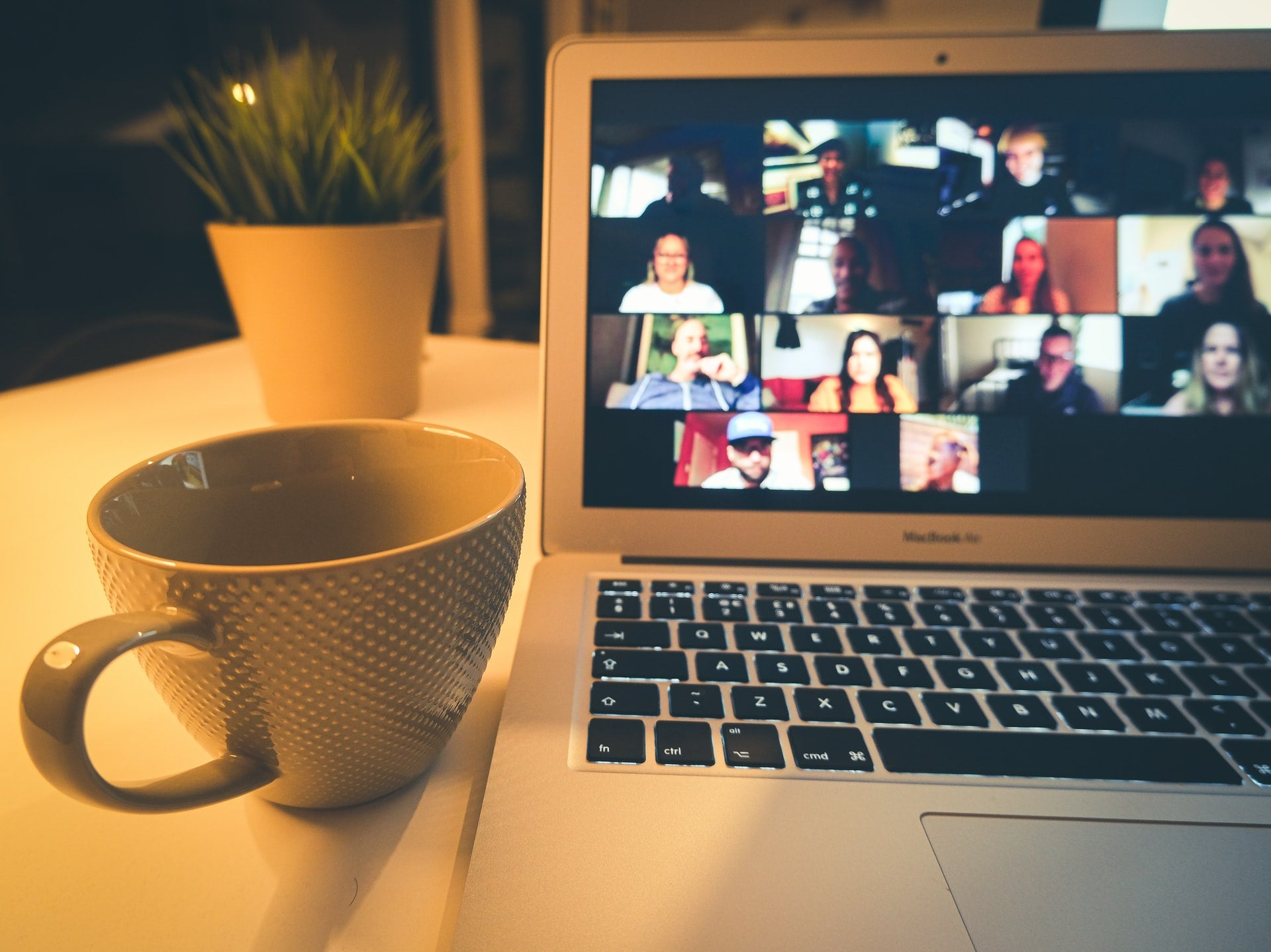 9 Things to do Online With Friends & Family   Nomad Internet