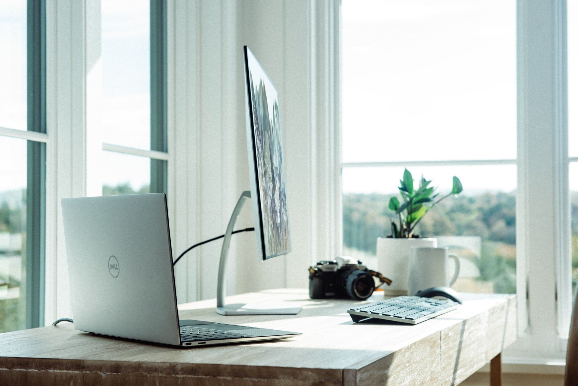 8 Essentials for the Perfect Home Office Setup | Nomad Internet
