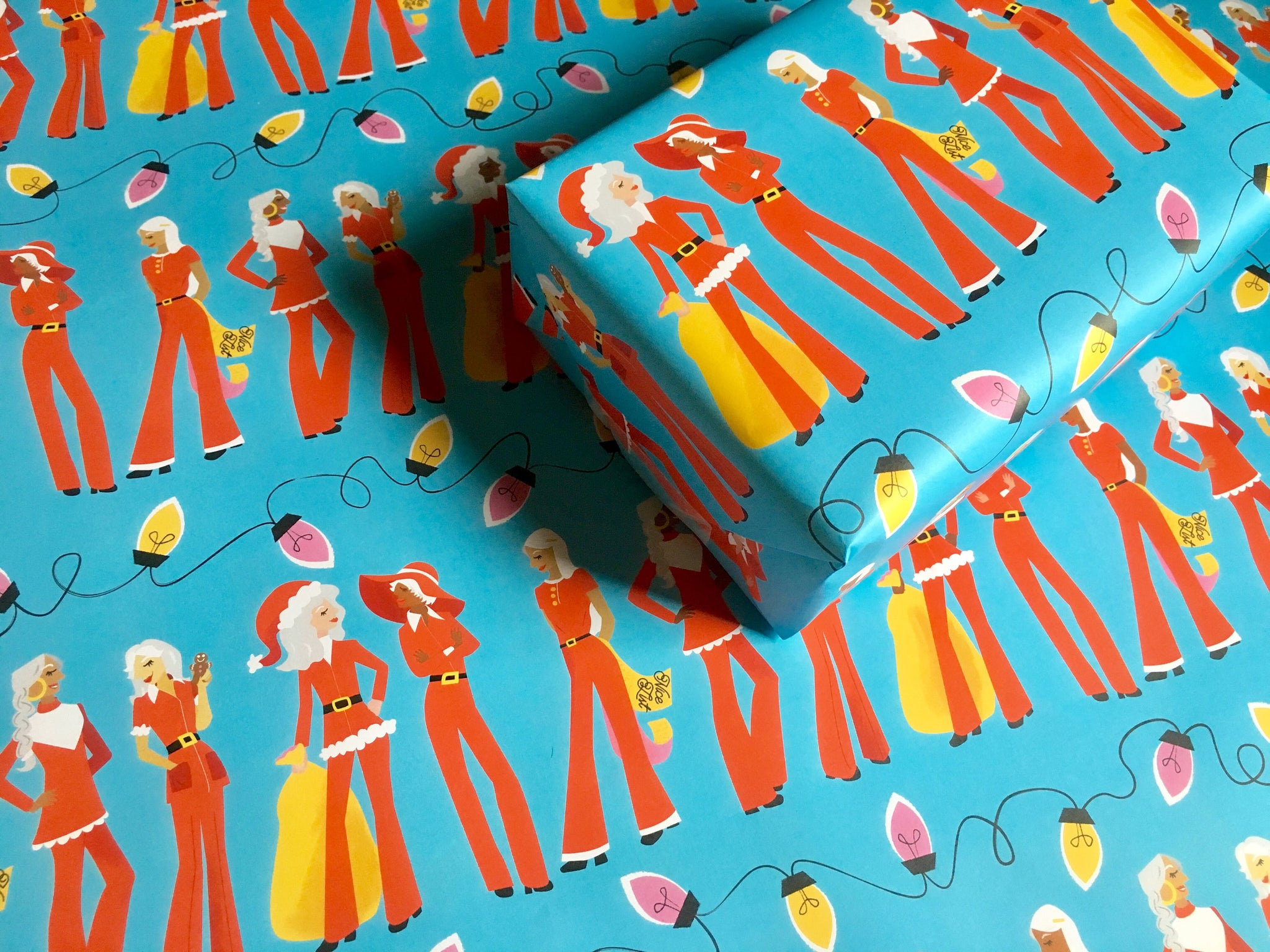 Chic Santa Ladies Gift Wrap