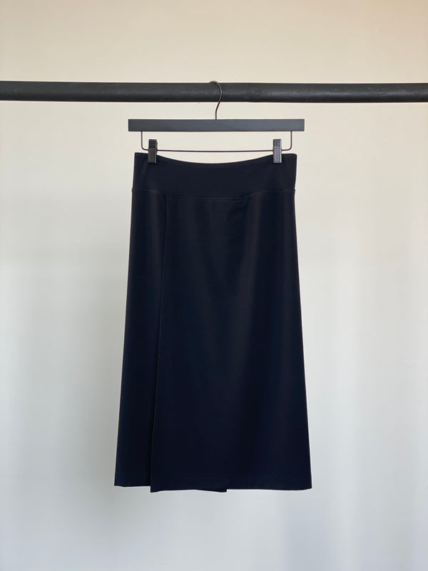 MATTE BLACK- WOMENS EVERYDAY SKIRT
