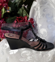 Load image into Gallery viewer, Vince Camuto Wedges