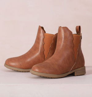KENDALL SCALLOPED BOOT - TAN