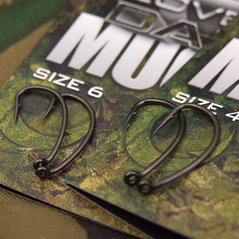 COVERT DARK MUGGA HOOKS BARBLESS SIZE 8