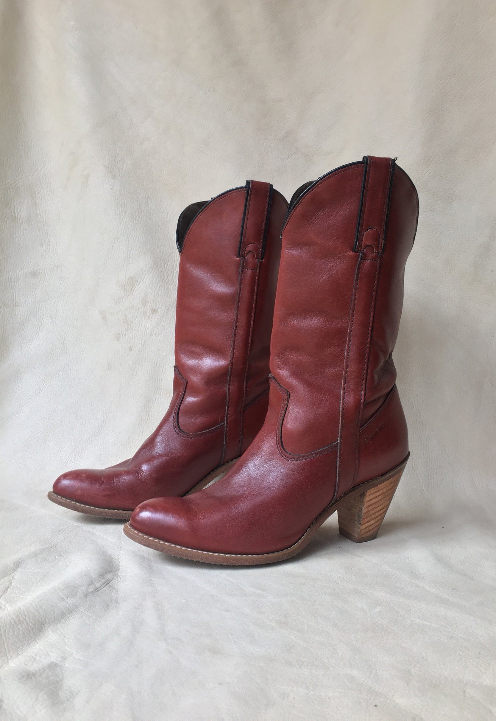 937a7d9db7b 70 s Navajo Red Stacked Heel Capezio Cowboy Boots Size 8M – Idylwild ...