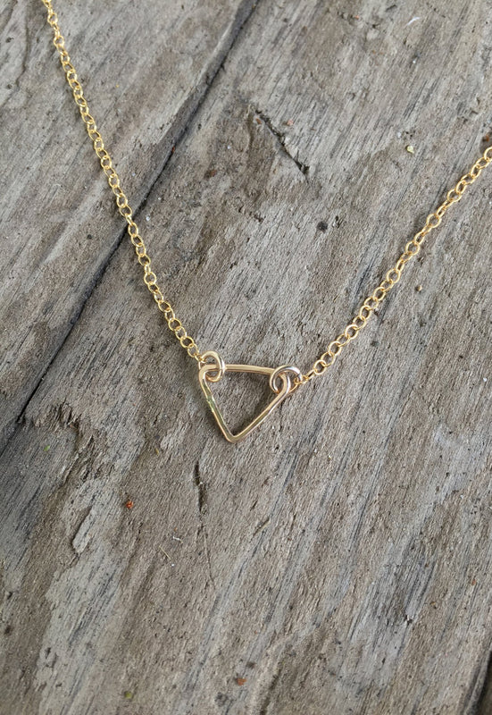 Idywlild Simple Danty Triangle Chain Necklace