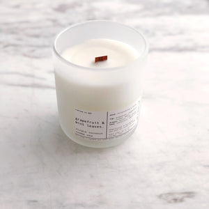 GRAPEFRUIT & MINT LEAVES | VIRGIN COCONUT CRÈME WAX & WOODEN WICK CANDLE