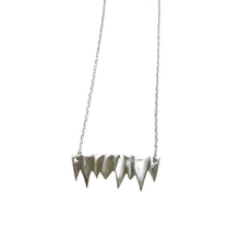Load image into Gallery viewer, FANG PENDANT NECKLACE