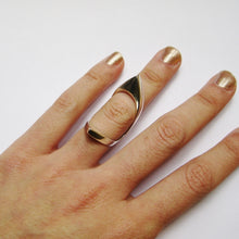 Load image into Gallery viewer, DOUBLE POINTED KNUCKLE RING
