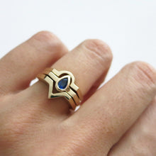Load image into Gallery viewer, TEARDROP SAPPHIRE RING