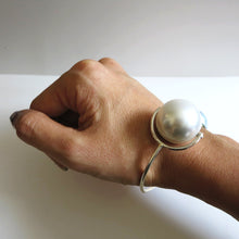 Load image into Gallery viewer, CAROL MIX PEARL CUFF