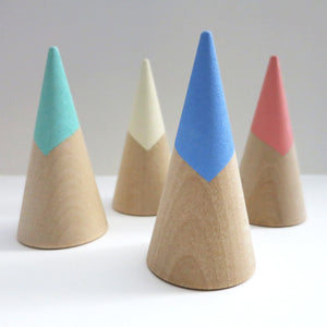 TIP TOP WOODEN RING CONES