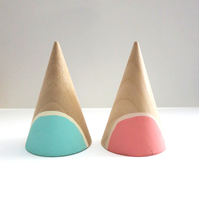JUMBO SEMI-CIRCLE RING CONES