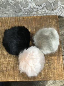 LYM 3 Pack of Poms
