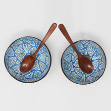 Load image into Gallery viewer, Coconut Bowls Set of 2 with 2 Spoons + Bonus Reusable Bag