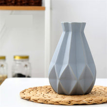 Load image into Gallery viewer, Matt Diamond Porcelain Vase