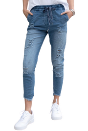 Distressed Denim Ripped Fringe Hem Crinkle Jogger w/ Pockets