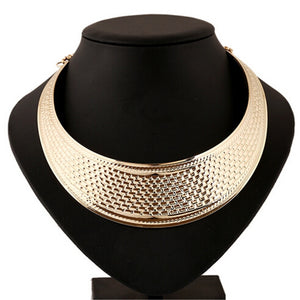 Gold-plated bib choker
