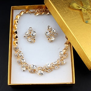 Elegant bridal jewelry set