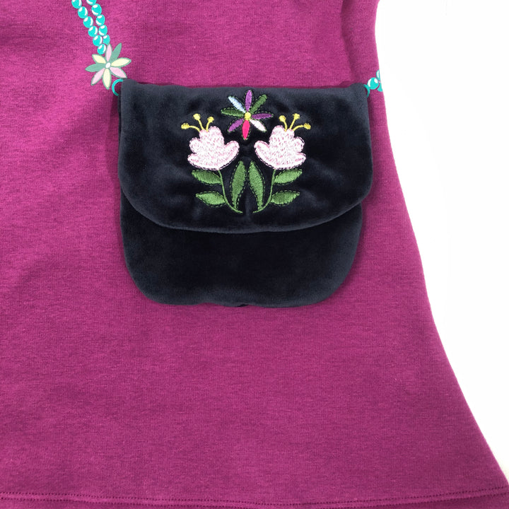 embroidered pocket detail purse