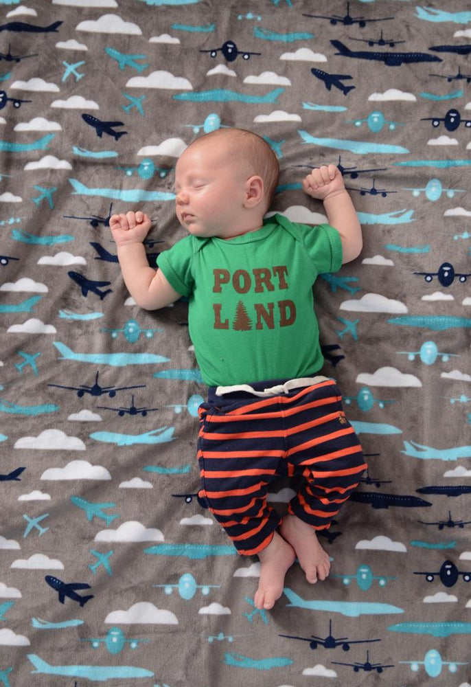 PoppiezLove Handmade Waterproof Blanket - Airplanes