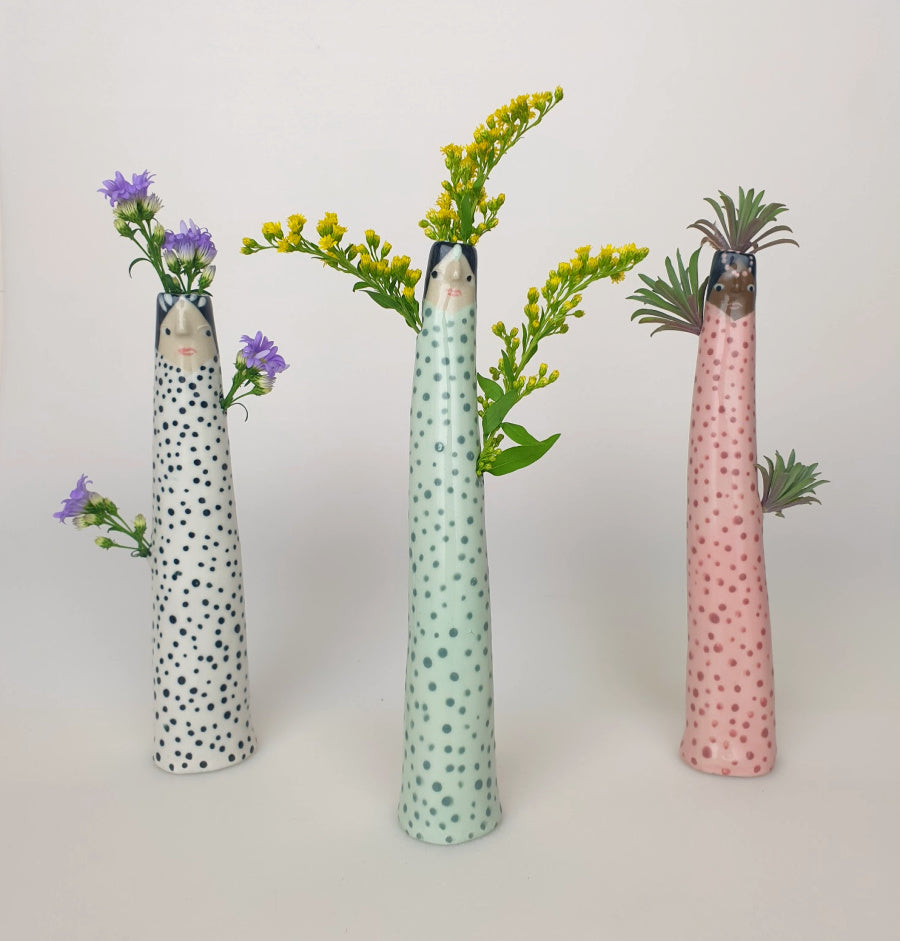 Almer the Bud Vase with extra flower space