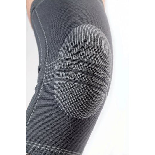 FUTURO Ultra Performance Knee Stabilizer