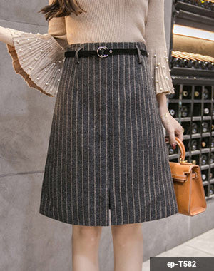 Image of Woman short skirt ep-T582