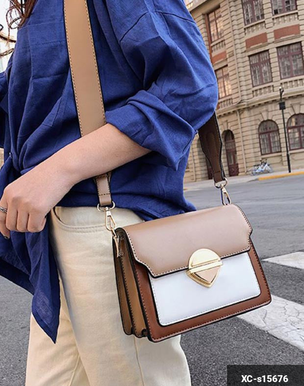 Image of Woman Handbag XC-s15676