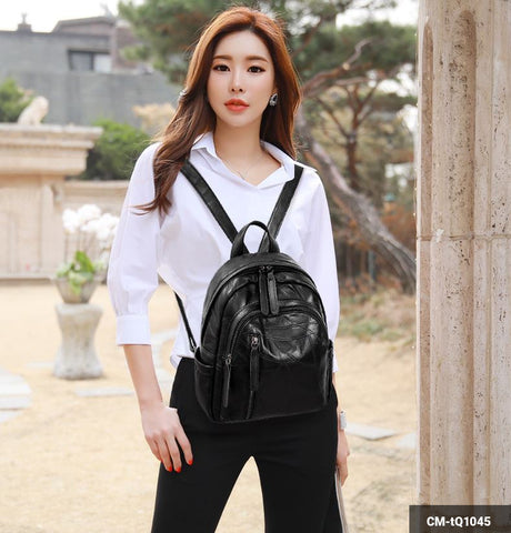 Image of Woman Backpack CM-tQ1045