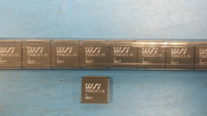 (1 PC) PSD611E1-15J WSI IC, 52 PIN PLCC