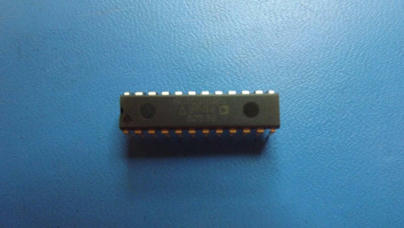 (1PC) ADM208AN Quad Transmitter/Receiver RS-232 24-Pin PDIP