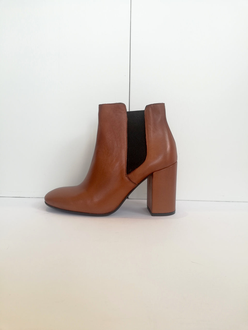 Trevi Chelsea Boot Tan