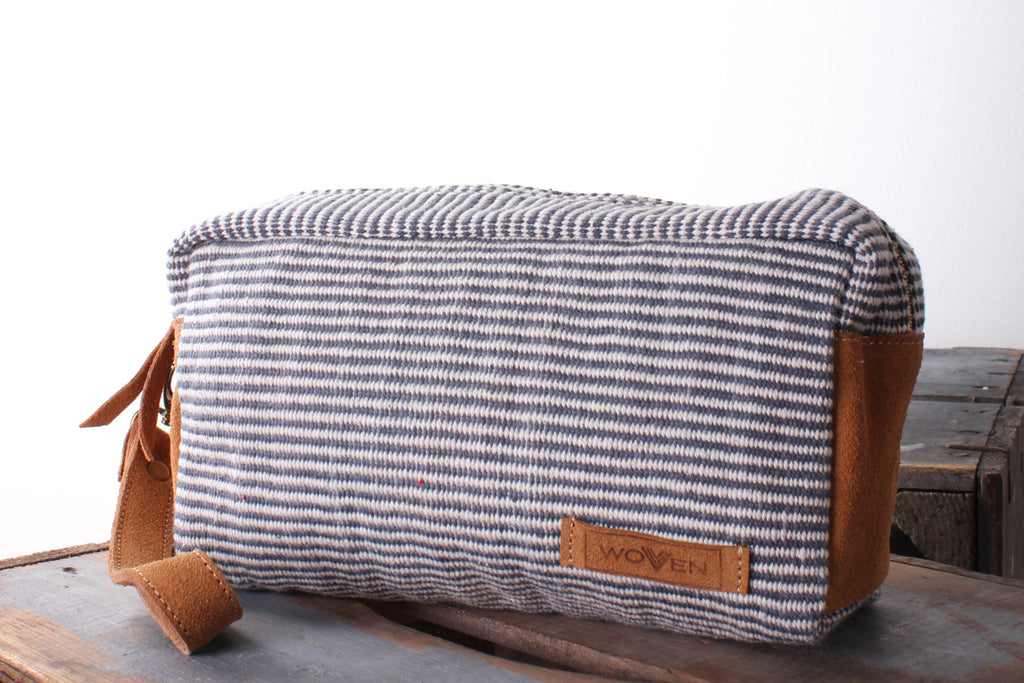 Make-Up Bag - Blue Finer Stripe Pattern - MuniMuni