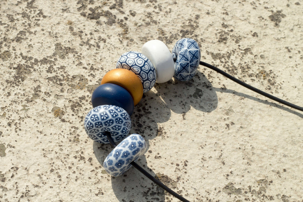 Rondelle - Navy/White with contrast 7 beads - MuniMuni