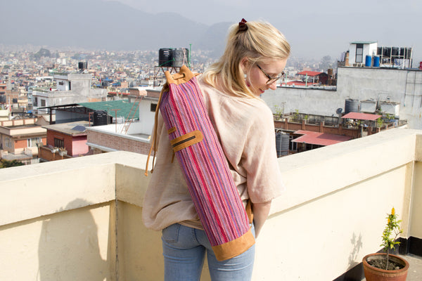 MUNIMUNI Aasha Top Yoga Mat Bag by Woven - Fuchsia Pink Recycle Pattern - MuniMuni