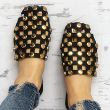 Fashion Pure Color Rivet Flat Sandals