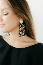 Load image into Gallery viewer, Beadwork It Tortoise Earrings