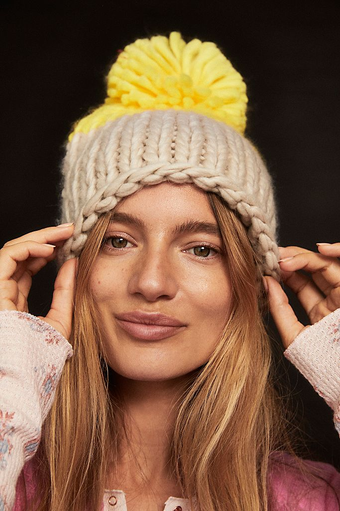 Cozy Up Color Block Pom Beanie Grey/Yellow
