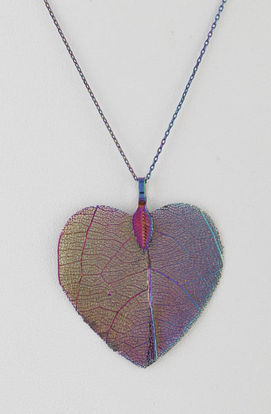 Leaf in Heart Necklace - Wild-Bunny-