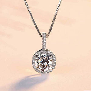 Hellojewelr Classic Halo Round Cut Necklace In Sterling Silver