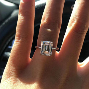Hellojewelr Sterling Silver Classic Emerald Cut Solitaire Engagement Ring
