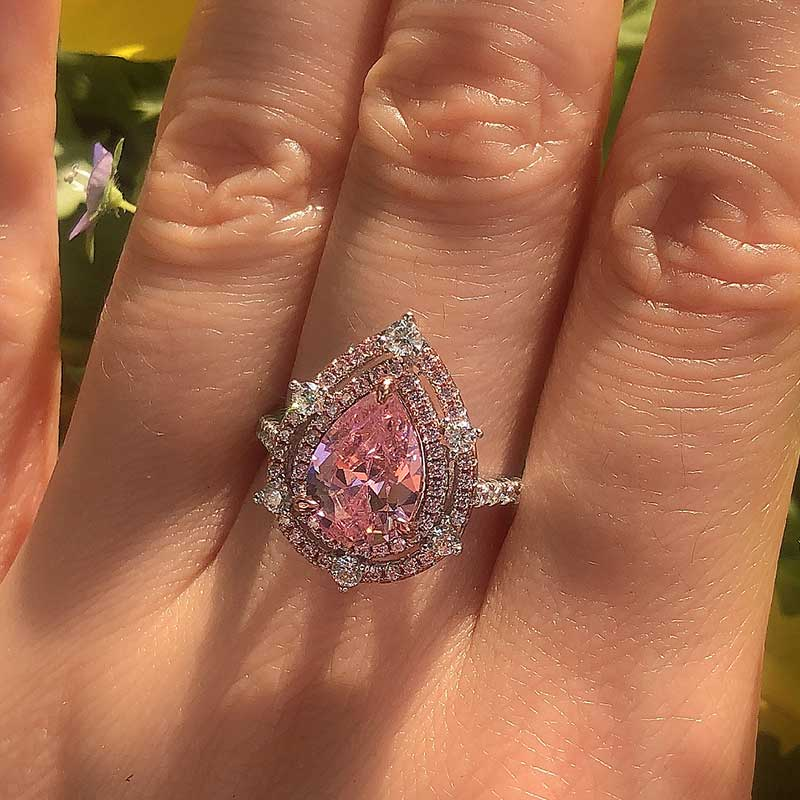 Hellojewelr Royal Romantic Pink 2.0 Carat Pear Cut Double Halo 2-Tone Engagement Ring