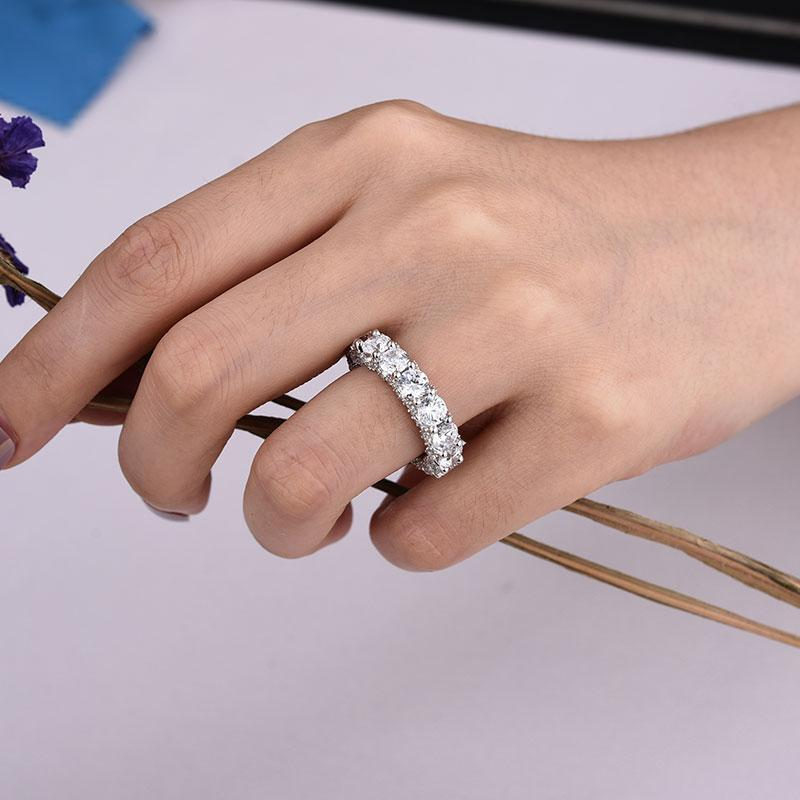 Hellojewelr Sterling Silver Luxury Eternity Round Cut Wedding Band