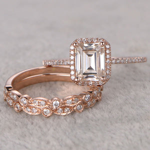 Hellojewelr Rose Gold Halo 4.0 Carat Emerald Cut 3PC Wedding Ring Set