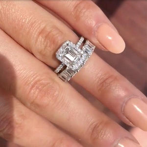 Hellojewelr Gorgeous 4.0 Carat Emerald Cut Wedding Set In Sterling Silver