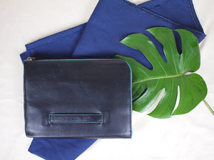 Oxford Document Clutch in Black